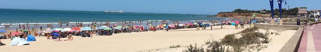 Playa la Barrosa con la isla de Sancti Petri al fondo