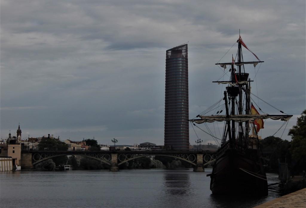 torre pelli y galeón